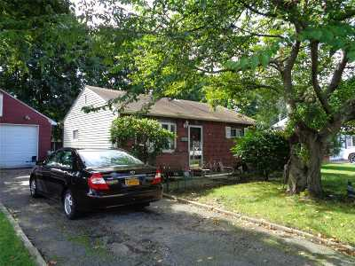 central Islip Single Family Home For Sale: 36 Ash St