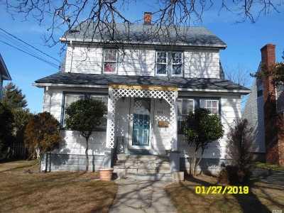 Freeport Single Family Home For Sale: 464 Atlantic Ave