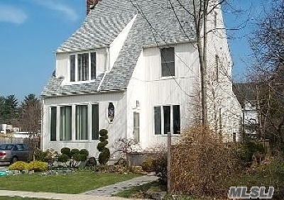 Roslyn Single Family Home For Sale: 2 Yale St