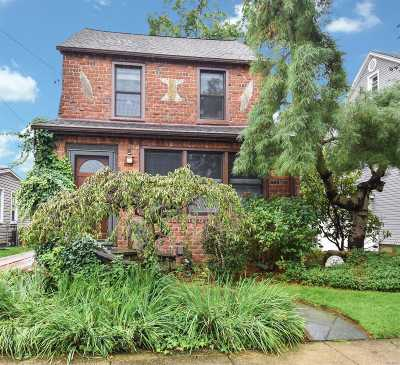 Williston Park Single Family Home For Sale: 72 Fordham St