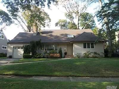 Single Family Home For Sale: 2149 S Seneca Dr