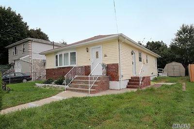 Hempstead Single Family Home For Sale: 10 Vanata Ct