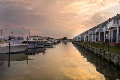 Freeport Condo/Townhouse For Sale: 26 Ocean Watch Ct #26