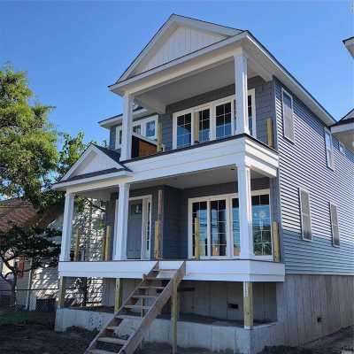 Island Park Single Family Home For Sale: 133 Nassau Ln