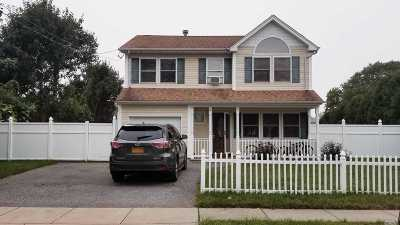 Massapequa Single Family Home For Sale: 66 Stone Blvd