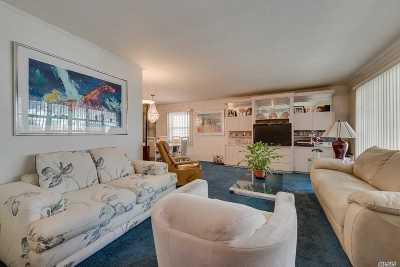 Douglaston Single Family Home For Sale: 65-28 247 St