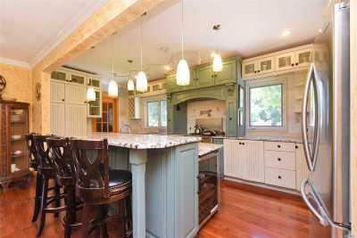 Douglaston Single Family Home For Sale: 49-05 Douglaston Pky