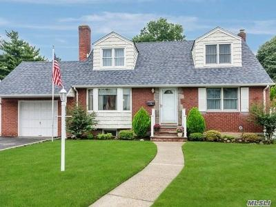 Hicksville Single Family Home For Sale: 174 East Ave