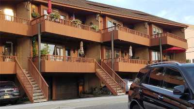 Long Beach Condo/Townhouse For Sale: 78 Pacific Blvd