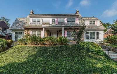 Jamaica Estates Single Family Home For Sale: 181-45 Midland Pky