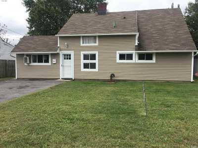 Levittown Single Family Home For Sale: 54 Abbey Ln