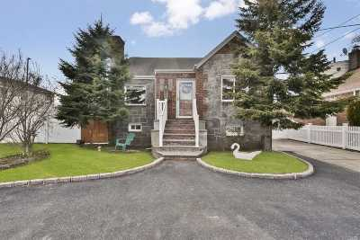 Merrick Single Family Home For Sale: 10 Beach Dr