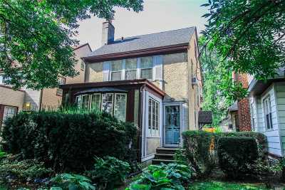 Kew Gardens, Richmond Hill Single Family Home For Sale: 84-32 116th St