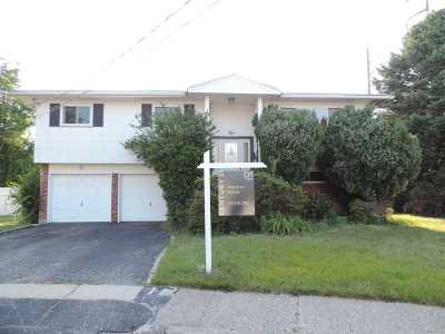 Hicksville Single Family Home For Sale: 5 Kenneth Ct