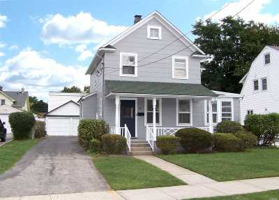 Hicksville Single Family Home For Sale: 69 Raymond St