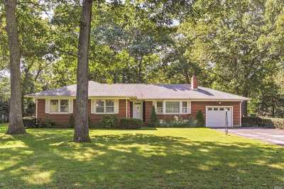Mattituck Single Family Home For Sale: 220 Cindy Ln