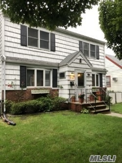 Bellerose, Glen Oaks Single Family Home For Sale: 82-46 261st St