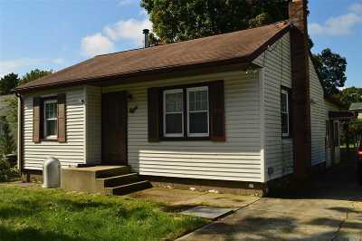 Farmingville Single Family Home For Sale: 8 Pommer Ave