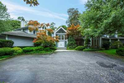 Muttontown Single Family Home For Sale: 100 Woodhollow Ct