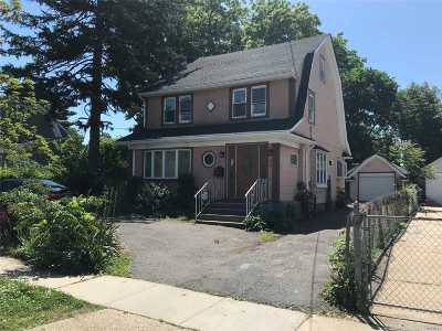 Hempstead Single Family Home For Sale: 46 Marvin Ave