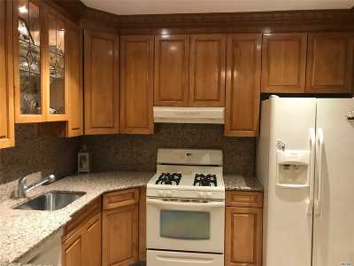 Whitestone NY Single Family Home For Sale: $795,000