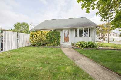 Hicksville Single Family Home For Sale: 16 Ketcham Ave