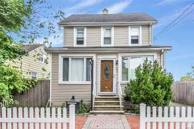 Franklin Square Single Family Home For Sale: 965 Washington St