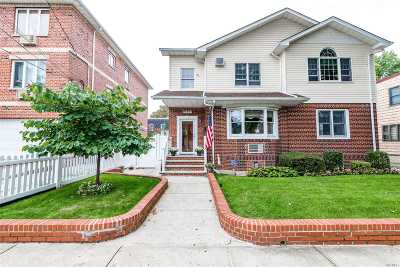 Middle Village Single Family Home For Sale: 71-23 66th Rd