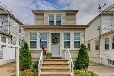 Floral Park Single Family Home For Sale: 9257 246th St