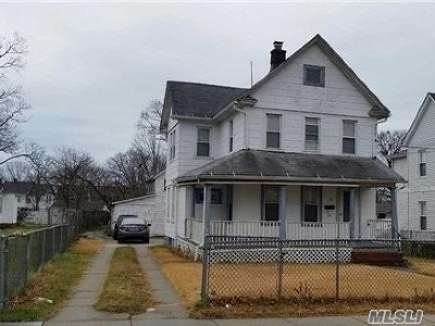 Freeport Single Family Home For Sale: 60 Grand Ave