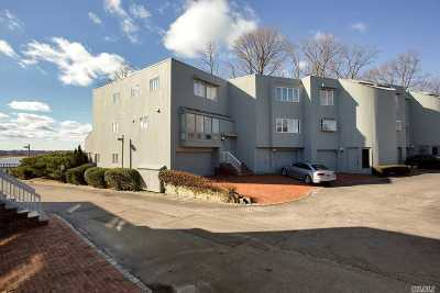 Port Washington Condo/Townhouse For Sale: 12 Sands Ct