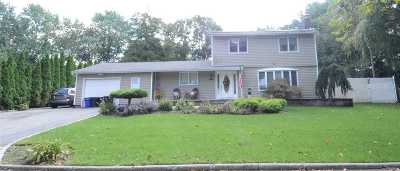 Dix Hills Single Family Home For Sale: 7 Corsa St
