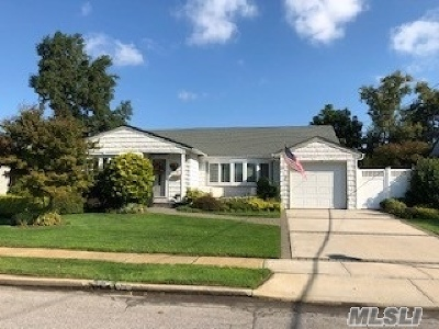 Wantagh Single Family Home For Sale: 1241 Martin Dr