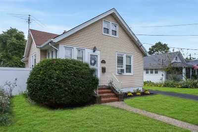 Lynbrook Single Family Home For Sale: 67 Wilson Ave