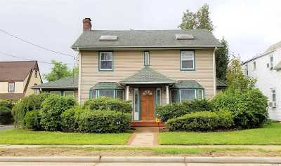 Hempstead Single Family Home For Sale: 53 Manor Ave