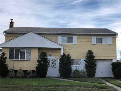 Oceanside Single Family Home For Sale: 3353 Oceanside Rd