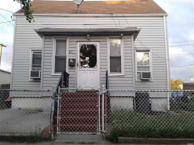 Ozone Park Single Family Home For Sale: 107-37 93 St