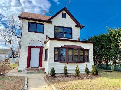Hempstead Single Family Home For Sale: 11 Washington Ct