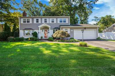 Oyster Bay Single Family Home For Sale: 10 Hilltop Ln