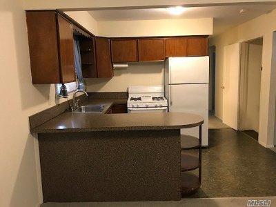Huntington Rental For Rent: 3 Finch Pl #Upper