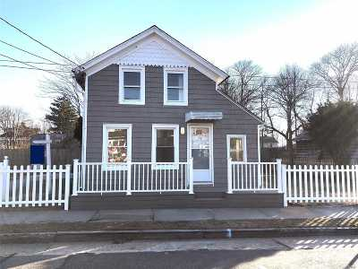 Patchogue Single Family Home For Sale: 74 Academy St