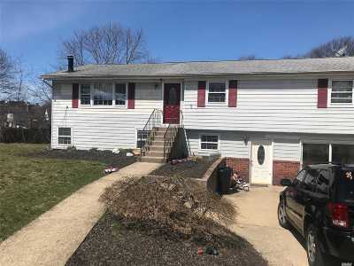 Lake Ronkonkoma Single Family Home For Sale: 11 Maria Ct