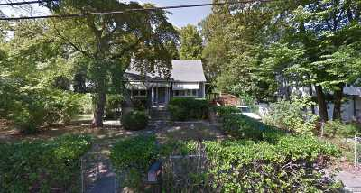 Medford Single Family Home For Sale: 25 West Ln