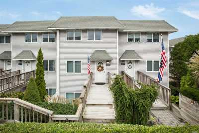 Baiting Hollow Condo/Townhouse For Sale: 2002 Bluffs Dr