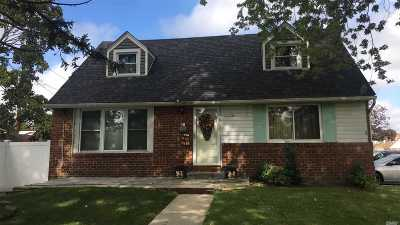 East Meadow Single Family Home For Sale: 2625 Beech St