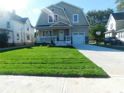 Freeport Single Family Home For Sale: 214 Church St