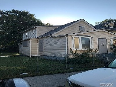 Jamaica Single Family Home For Sale: 127-09 172nd St