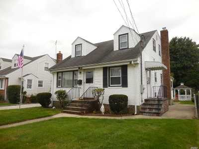 Mineola Single Family Home For Sale: 27 Jefferson East Ave