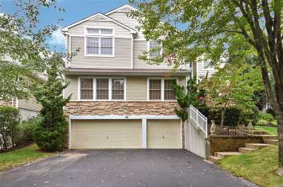Plainview Condo/Townhouse For Sale: 102 Sagamore Dr