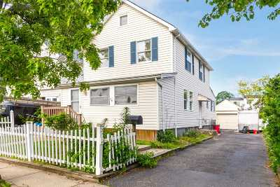 Bellmore Single Family Home For Sale: 715 Farmers Ave